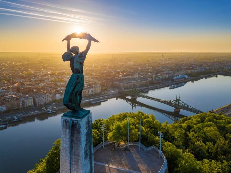 Túra a budapesti naplementében